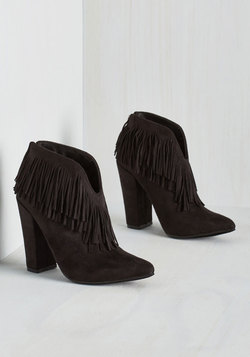 Kick-Me-Up Bootie in Black