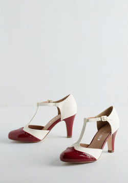 Vivacious Vibes Heel in Crimson