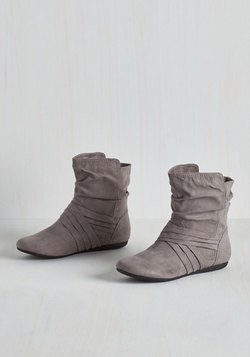 Barnhouse Brunch Bootie in Pebble