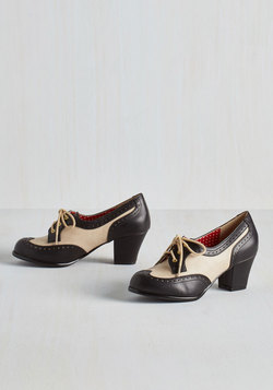 Oxford Comment Heel in Noir