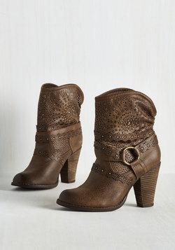 Bold Balance Boot