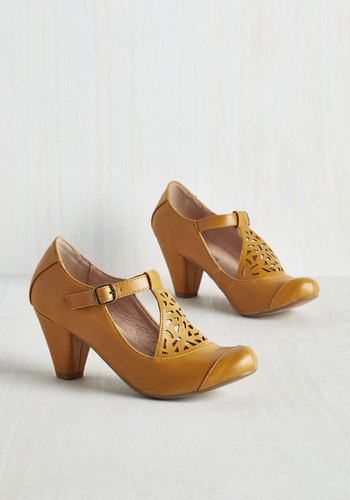 Picture of Poetic Heel in Saffron $64.99 AT vintagedancer.com