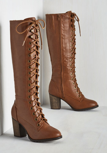 Struts It Gonna Be? Boot