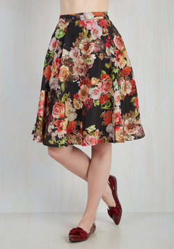 Profound Pizzazz Skirt in Roses