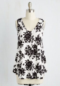 Infinite Options Top in Monochome Floral