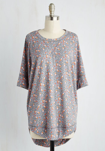 Best of Botanical Floral Top in Slate