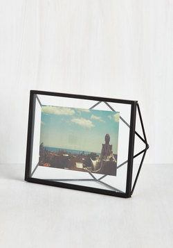Memorable Dimension Single-Photo Frame in Black