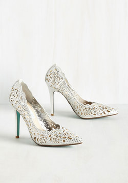 Divine Dining Heel in Silver