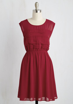 Vogue Wave Dress in Garnet