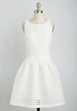 Oh My Darlington Dress in White