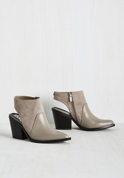 Bare Your Seoul Bootie in Pebble