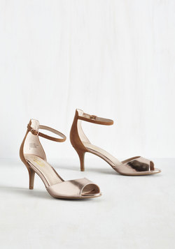 Hazel Heel in Bronze