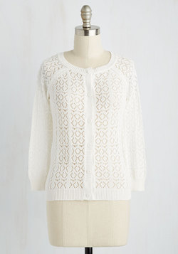 Heirloom Hunting Cardigan in Cream