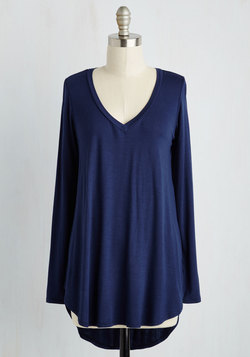 Embracing Basic Top in Navy