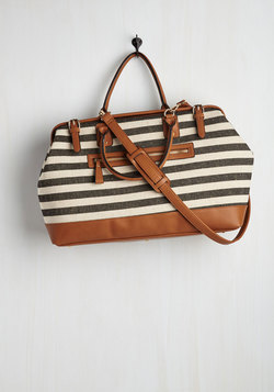 Impromptu Escape Weekend Bag in Black and Ivory