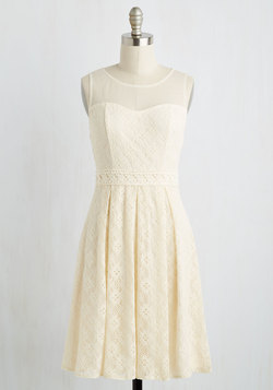Chantilly Sweetheart Dress