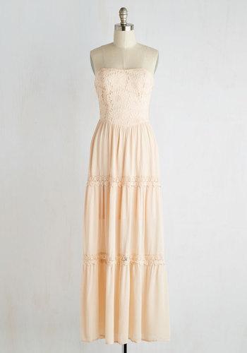 Beach Poise Dress in Peach