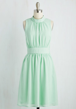 Windy City Dress in Pistachio
