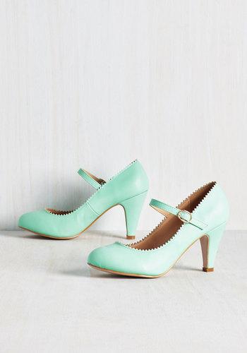 Romantic Revival Heel in Mint