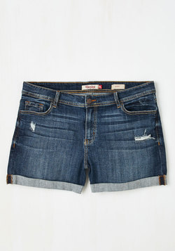 Beauty at the Beach Shorts in Medium Wash - 1X-3X