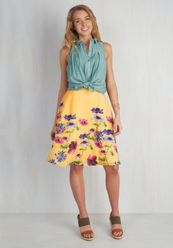 Profound Pizzazz Floral Skirt in Golden Meadow