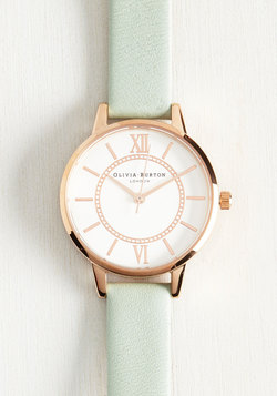 Head of the Classic Watch in Mint & Rose Gold