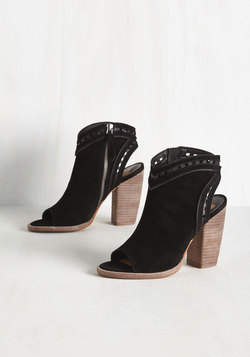 High Rise Haute Boote in Black