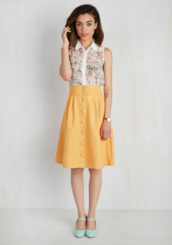 Intern of Fate Skirt in Citrus Dots
