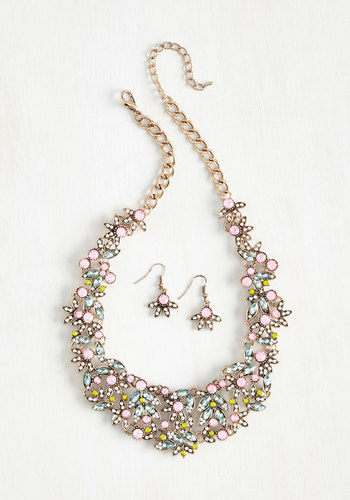 Beauteous Bravado Necklace and Earring Set - $24.99