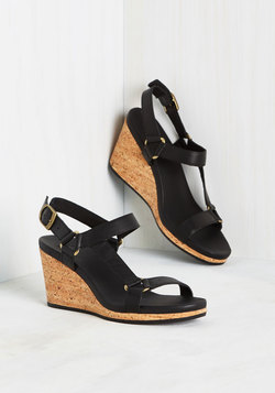 Leave Things on a Hybrid Note Wedge in Black