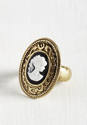 Portrait of a Stylista Ring