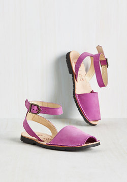 Tour Glide Sandal in Orchid