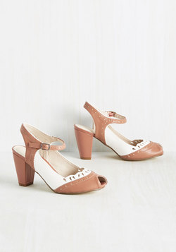 Malt Shop Sweetheart Heel in Dusty Rose