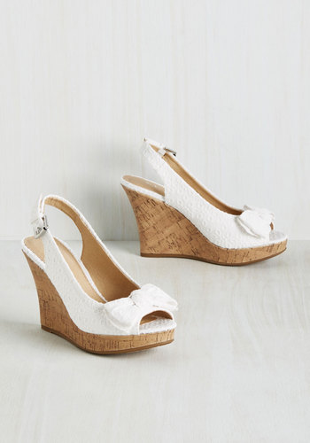Peeps and Bounds Wedge in Eyelet