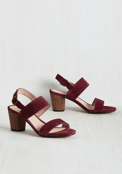 Strut Goes Around Heel in Berry