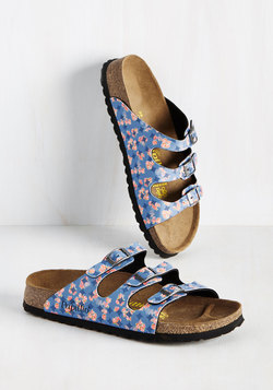 Strappy Feet Sandal in Blue