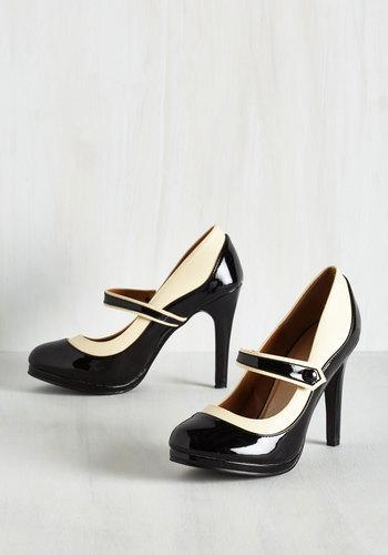 Classy Indeed Heel in Black