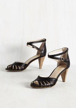 Scenic Heel in Noir