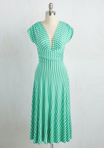 Sun-Soaked Afternoon Midi Dress in Spearmint