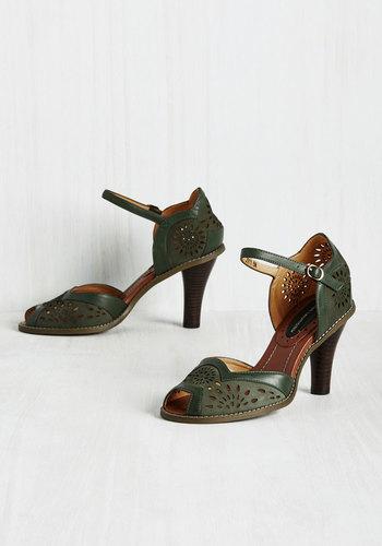 Sunburst and Foremost Heel $59.99 AT vintagedancer.com
