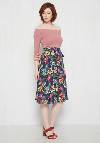 Twirly to Rise Midi Skirt in Tropical