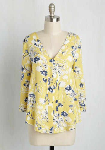 Decorator in Demand Floral Top