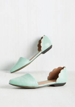 On the Scallop and Up Flat in Seafoam