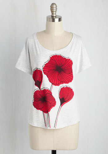 Poppy By for a Visit Floral Top