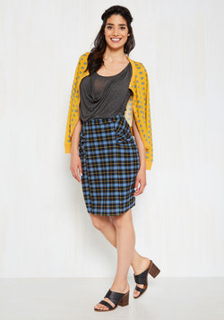 Up-and-Coming Editor Pencil Skirt