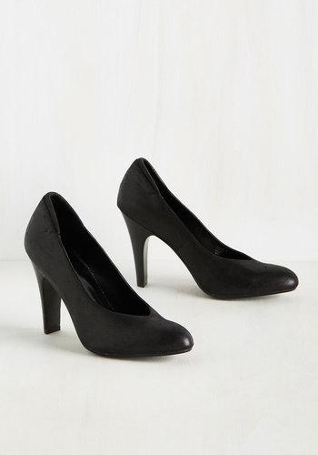 1920s Style Shoes Sheen Queens Heel $64.99 AT vintagedancer.com