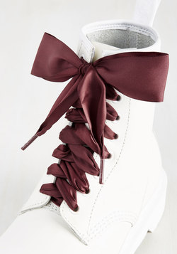 Pretty in Peckham Shoelaces in Oxblood - 55""