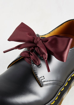 Pretty in Peckham Shoelaces in Oxblood - 26""