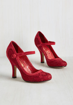 Poised Impression Heel in Scarlet