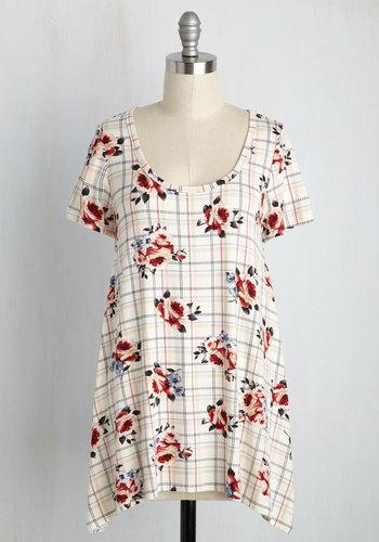 Perfect Park Date Tee in Plaid Bouquet